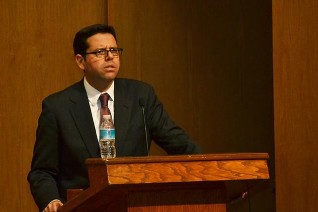 Francisco Pérez González, Director de la División Académica de Administración y Contaduría